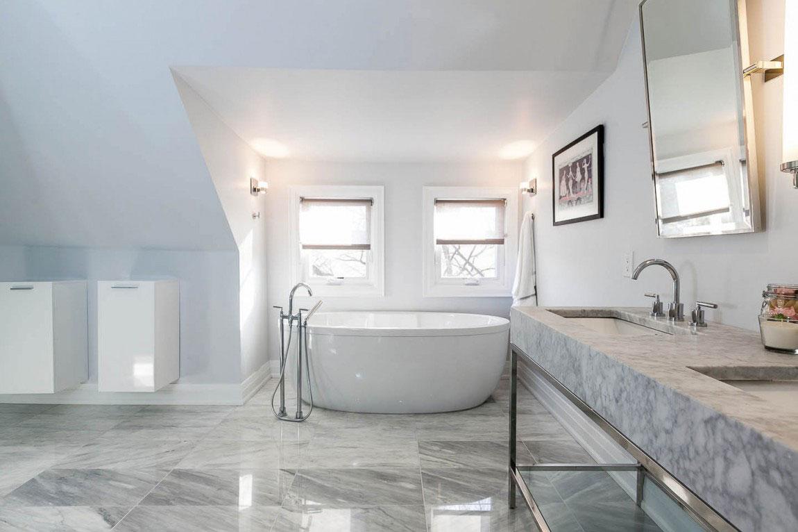 Beautiful detailed Bathroom